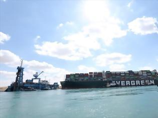 Φωτογραφία για Διώρυγα Σουέζ: Εκατοντάδες πλοία εγκλωβισμένα, τα 25 πετρελαιοφόρα