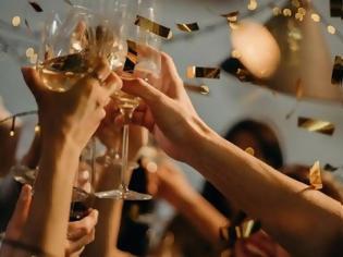 Φωτογραφία για Κοροναϊός - Ελλάδα: Διέλυσαν κορονο-πάρτι με 53 καλεσμένους - Το διοργάνωσε φοιτήτρια από την Ισπανία