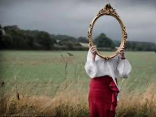 Φωτογραφία για Αυτός που λέει ψέματα στον εαυτό του και πιστεύει στο ίδιο του το ψέμα...