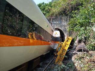 Φωτογραφία για Τρένο στη Ταϊβάν εκτροχιάζεται σε σήραγγα. τουλάχιστον τέσσερις νεκροί, πολλοί τραυματίες.