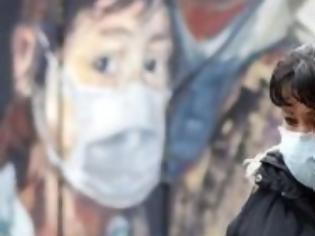Φωτογραφία για Καμπανάκι από τον «Σωτήρη Τσιόδρα» της Βρετανίας. Ο ιός δεν θα φύγει (βίντεο)