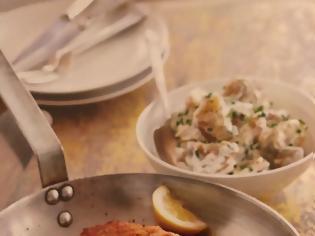 Φωτογραφία για #Μένουμε_στο_σπίτι_Μαγειρεύουμε_στο_σπίτι: Χοιρινό σνίτσελ με ζεστή πατατοσαλάτα