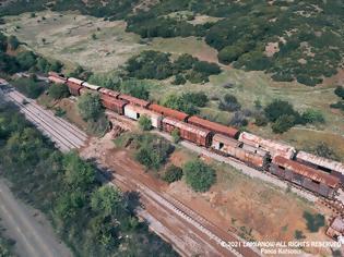 Φωτογραφία για Φθιώτιδα: Το απόκοσμο αποτύπωμα του χρόνου δίπλα στις γραμμές του τρένου! Εικόνες.