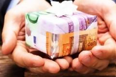 Μπαράζ πληρωμών πριν το Πάσχα για συντάξεις, επιδόματα και αναδρομικά - Ημερομηνίες
