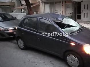 Φωτογραφία για Θρίλερ στη Θεσσαλονίκη: Νεαρός πήδηξε από ταράτσα πολυκατοικίας