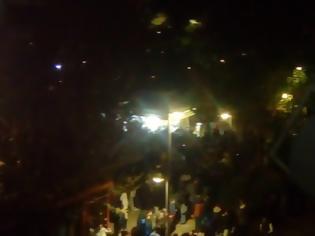 Φωτογραφία για Υπαίθρια κορονοπάρτι σε πλατεία Βαρνάβα, Πάτρα και Θεσσαλονίκη