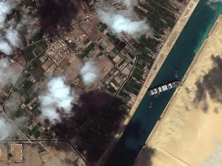 Φωτογραφία για Αίγυπτος: Ζητά αποζημίωση 916 εκατ δολ. για τον αποκλεισμό της διώρυγας του Σουέζ