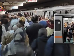 Φωτογραφία για Συνωστισμός στον σταθμό του μετρό Συντάγματος χθες.