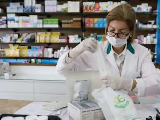 Φωτογραφία για Ερχεται υποχρεωτικό self test για εργαζόμενους σε λιανεμπόριο, μέσα μεταφοράς, εστίαση.