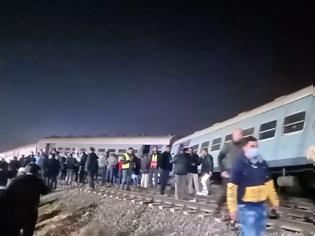 Φωτογραφία για Αίγυπτος: Τρένο εκτροχιάστηκε - Τουλάχιστον 10 τραυματίες.