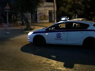 Φωτογραφία για Πυροβολισμοί κατά αστυνομικών στη Νέα Ερυθραία: «Δεν ήθελαν να εκφοβίσουν, έριξαν στοχευμένα»