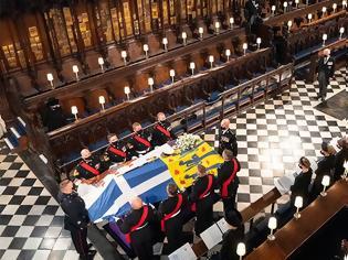 Φωτογραφία για Κηδεία πρίγκιπα Φιλίππου: Σε κλίμα συγκίνησης αποχαιρέτισε η Ελισάβετ τον αγαπημένο της πρίγκιπα