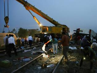 Φωτογραφία για Αίγυπτος: Τουλάχιστον 11 νεκροί και 100 τραυματίες από εκτροχιασμό τρένου