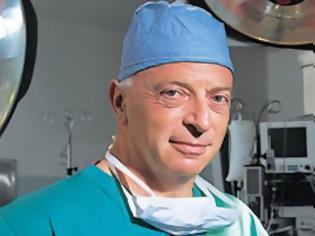 Φωτογραφία για Ανδρέας Τζάκης: «Μπαίνω πάντα στο χειρουργείο με φόβο Θεού»