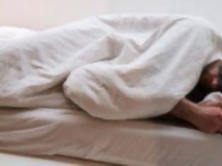 Φωτογραφία για Μεγαλύτερος ο κίνδυνος άνοιας για τους μεσήλικες που κοιμούνται συχνά λιγότερες από έξι ώρες