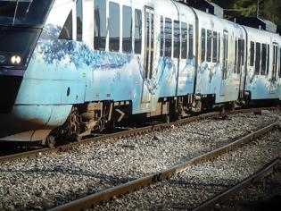 Φωτογραφία για Σε τοίχο προσέκρουσε το τρένο- Άκαρπη η συνάντηση Καραμανλή- Πελετίδη.