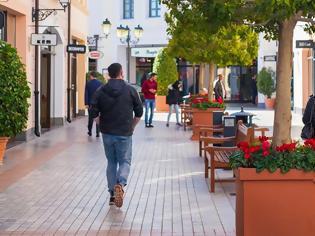 Φωτογραφία για Από τις 7 το πρωί ψώνια και στα εμπορικά κέντρα - Πώς θα λειτουργήσουν τα καταστήματα