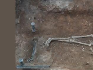 Φωτογραφία για Μοναδική ανακάλυψη στην Κοζάνη: Πλούσια νεκρή με αινιγματική ταυτότητα και κλίνη 2.100 ετών