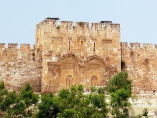 Φωτογραφία για H Χρυσή Πύλη-Από αυτή πέρασε ο Χριστός πάνω στο γαϊδουράκι κατά την είσοδό του στα Ιεροσόλυμα