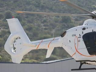 Φωτογραφία για Πάσχα: Με ιδιωτικά ελικόπτερα φεύγουν για γιορτές στα νησιά