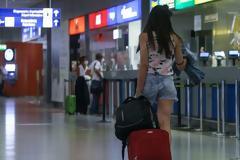 Θρίλερ για τον τουρισμό: Πότε θα ανάψει «πράσινο φως» για Βρετανούς τουρίστες στην Ελλάδα