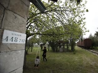 Φωτογραφία για Εγκαταλειμμένος σιδηροδρομικός σταθμός και εφτά βαγόνια μετατρέπονται σε οικολογική τουριστική μονάδα.