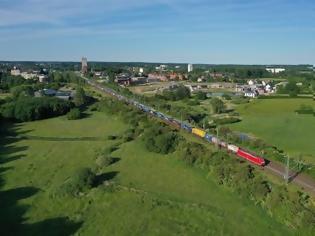 Φωτογραφία για 835 μέτρα τρένο από τη Γερμανία προς τη Σουηδία για πρώτη φορά.