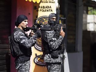 Φωτογραφία για Βραζιλία: Μακελειό με 25 νεκρούς από αστυνομική επιχείρηση σε φαβέλα του Ρίο - Διεθνείς αντιδράσεις
