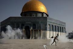 Φλέγονται Ιερουσαλήμ και Γάζα: Αγριες συγκρούσεις Ισραηλινών-Παλαιστινίων, 20 νεκροί και πάνω από 300 τραυματίες