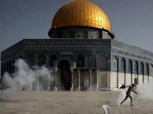 Φωτογραφία για Φλέγονται Ιερουσαλήμ και Γάζα: Αγριες συγκρούσεις Ισραηλινών-Παλαιστινίων, 20 νεκροί και πάνω από 300 τραυματίες
