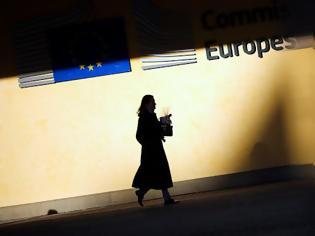 Φωτογραφία για Κομισιόν: Υψηλή αβεβαιότητα στην ελληνική οικονομία, μείωση ανεργίας από το 2022