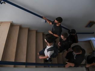 Φωτογραφία για Από Δευτέρα με μόνο ένα self test στα σχολεία- Με self test οι εξετάσεις στα Πανεπιστήμια