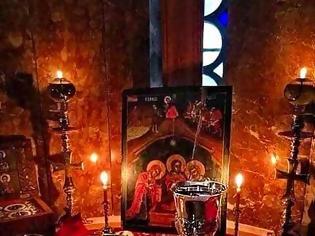 Φωτογραφία για Έχουμε ένα διαρκές θαύμα, την Θεία Λειτουργία.