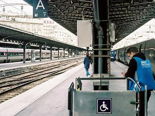 Φωτογραφία για Η Γαλλία ενισχύει τον εγχώριο τουρισμό αυτό το καλοκαίρι με 5 εκατομμύρια φθηνά εισιτήρια τρένων