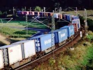Φωτογραφία για Η DB Cargo ηγείται της κοινοπραξίας σιδηροδρομικών εμπορευματικών μεταφορών που προωθεί τη μεταφορά ενός βαγονιού.