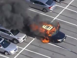 Φωτογραφία για Έβαλε αντισηπτικό χεριών ενώ οδηγούσε και πήρε φωτιά το αυτοκίνητο