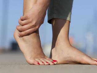 Φωτογραφία για Μούδιασμα στα πόδια: Ποια είναι τα αίτια