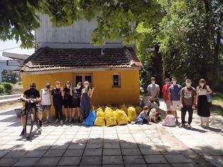 Φωτογραφία για Σκύδρα: Η «Ράγες» καθάρισαν την περιοχή του ΟΣΕ