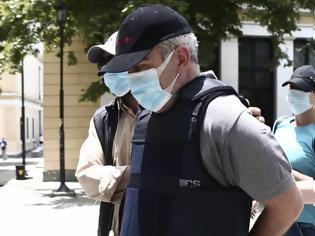 Φωτογραφία για «Ψευτογιατρός»: Την παραπομπή του σε δίκη ζητά η εισαγγελέας για 12 θανάτους καρκινοπαθών και 14 απόπειρες ανθρωποκτονίας