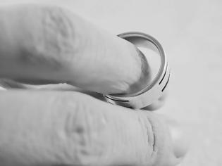 Φωτογραφία για Ήρθε το e-διαζύγιο: Τα οκτώ βήματα για τη λήξη των γάμων