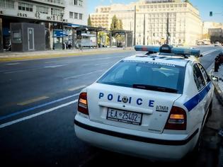 Φωτογραφία για Ηράκλειο: Παρενόχλησαν κοπέλα και τους πήραν στο κυνήγι εκατοντάδες νεαροί