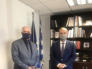 Φωτογραφία για Συνάντηση του Δημάρχου Ι.Π. Μεσολογγίου Κώστα Λύρου με τον Αν. Υπουργό Ανάπτυξης Νίκο Παπαθανάση