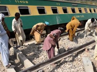 Φωτογραφία για Πακιστάν – Σύγκρουση τρένων: Στους 63 νεκροί και δεκάδες τραυματίες.
