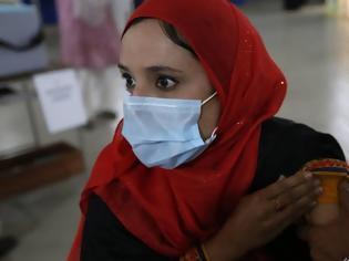 Φωτογραφία για Κοροναϊός - Πακιστάν: Κόψιμο μισθού και τηλεφώνου σε όσους δεν κάνουν το εμβόλιο