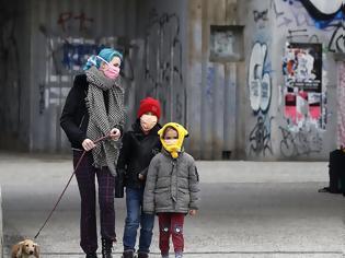 Φωτογραφία για Κορονοϊός – Έρευνα: Εξίσου μεταδοτικά με τους ενήλικες τα παιδιά