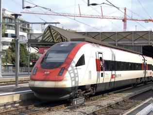 Φωτογραφία για Ελβετία: Μεγάλη κινητοποίηση της αστυνομίας - Εκκενώθηκε τρένο κοντά στο Ντένικεν.
