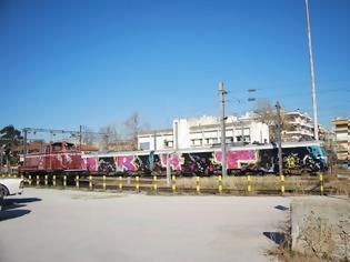 Φωτογραφία για Τρυπώνει σε Αμαξοστάσια και Μετρό για να Βάψει Τρένα σε Όλο τον Κόσμο.