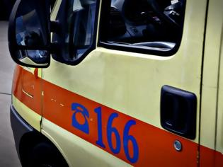 Φωτογραφία για Σοκαριστικό τροχαίο στη Νίκαια - Φορτηγό παρέσυρε και σκότωσε εξάχρονο κοριτσάκι