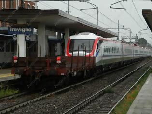 Φωτογραφία για Ντροπή! Λέρωσαν με γκράφιτι το τρίτο τρένο που έρχεται στην Ελλάδα από τη Ιταλία! Δείτε το βίντεο!