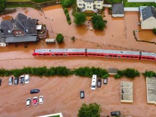 Φωτογραφία για Οι σιδηροδρομικές μεταφορές στη βορειοδυτική Γερμανία παρέλυσαν λόγω των πλημμυρών.